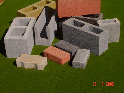01 Estoque  Permanente A Blocpar tem a maoir variedade de Blocos de toda Curitiba e Região